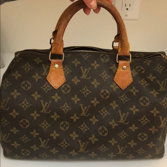 fd1349d874b Louis Vuitton Handbags - Louis Vuitton speedy 35